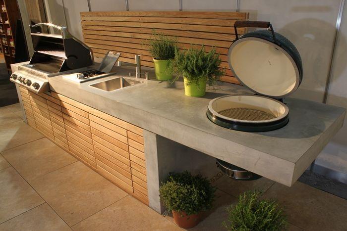 Outdoorküche Vordergurnd big green egg grill | Outdoor Kitchen ...