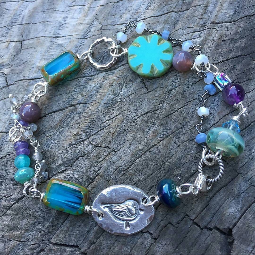 @thestudioatthecamp uses the finest beads and gemstones from around the world including their own pure silver and lampwork glass beads. Their collections celebrate the Earth Sea and Sky and you wonderful you!  Shop: @thestudioatthecamp