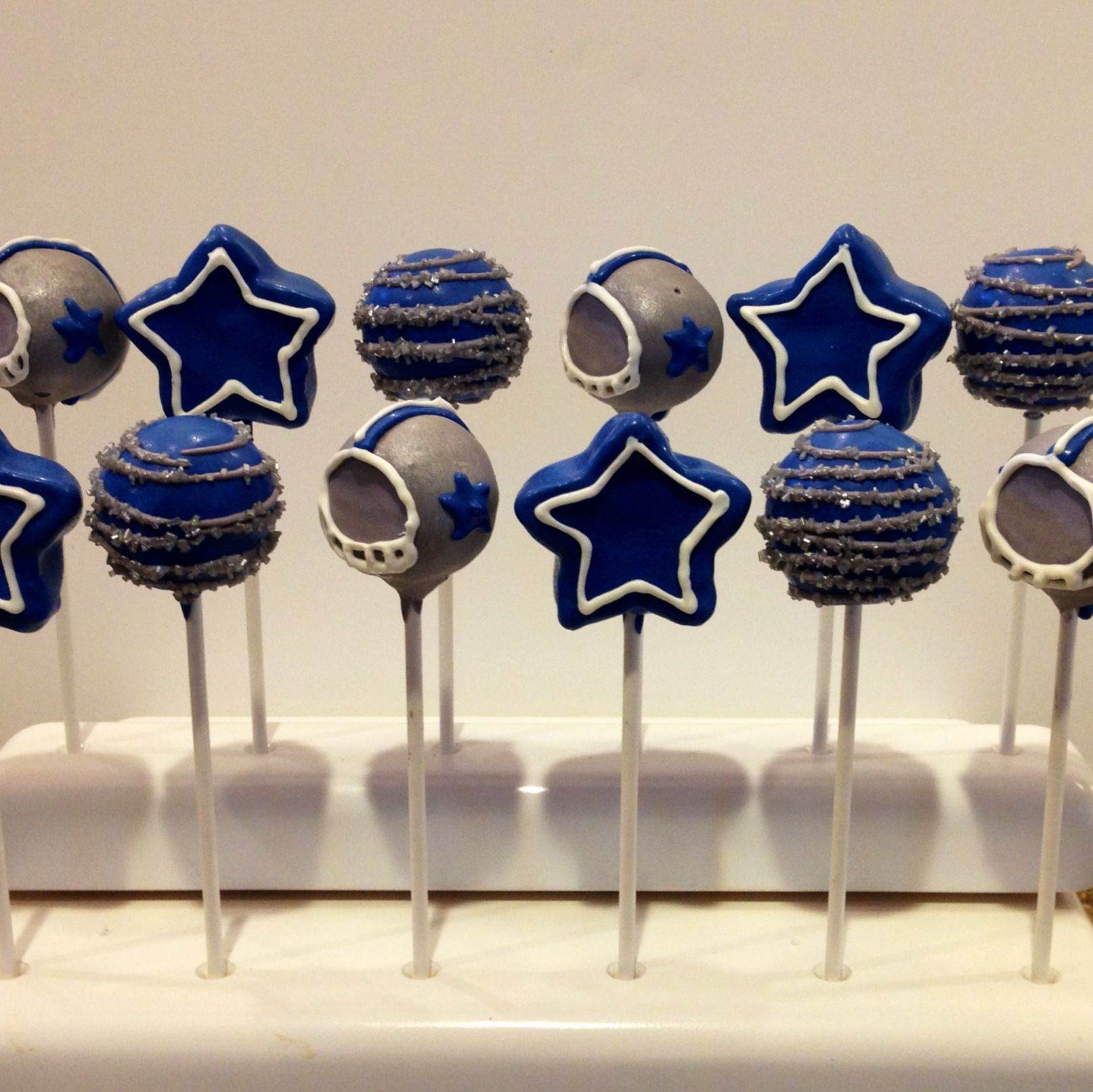 Dallas Cowboys cake pops | Daddy 50th | Pinterest | Dallas cowboys ...