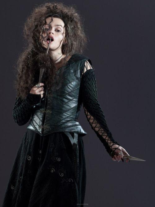 Helena Bonham Carter In Harry Potter And The Deathly Hallows Part 2 Bellatrix Lestrange Harry Potter Characters Helena Bonham Carter
