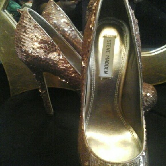 Bronze Bomb Bronze sequence 5in heel with a 1in platform.  New in box. Price negotiating. Steve Madden Shoes Heels