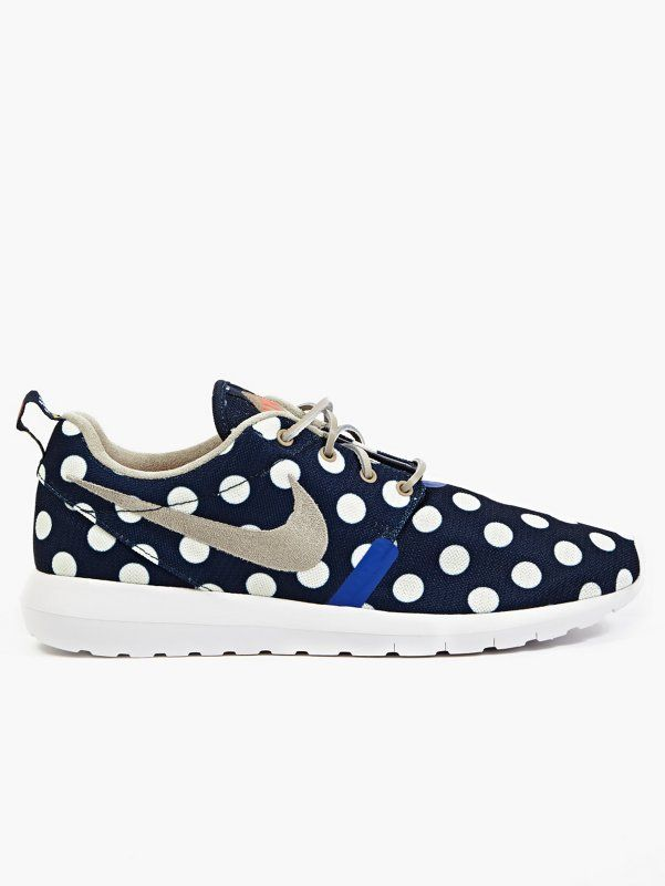 e7825aa97 Nike Men s Polka Dot Roshe Run NYC Sneakers