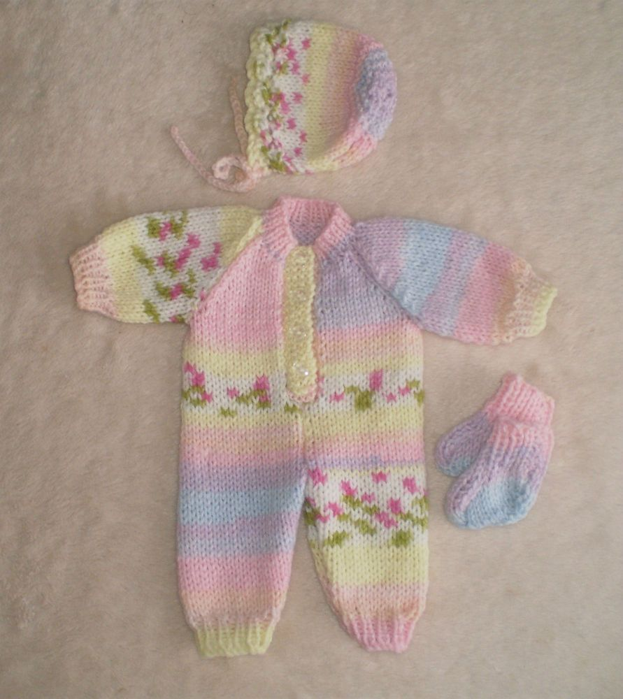 Hand knitted dolls clothes for 13/15\