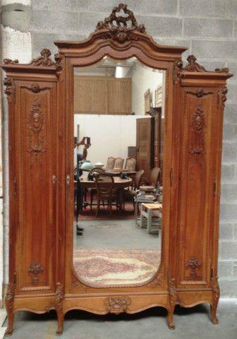 Armoire 3 Portes 1 Vitree En Noyer Louis Xv Armoire 3 Portes Meubles Anciens Mobilier De Salon