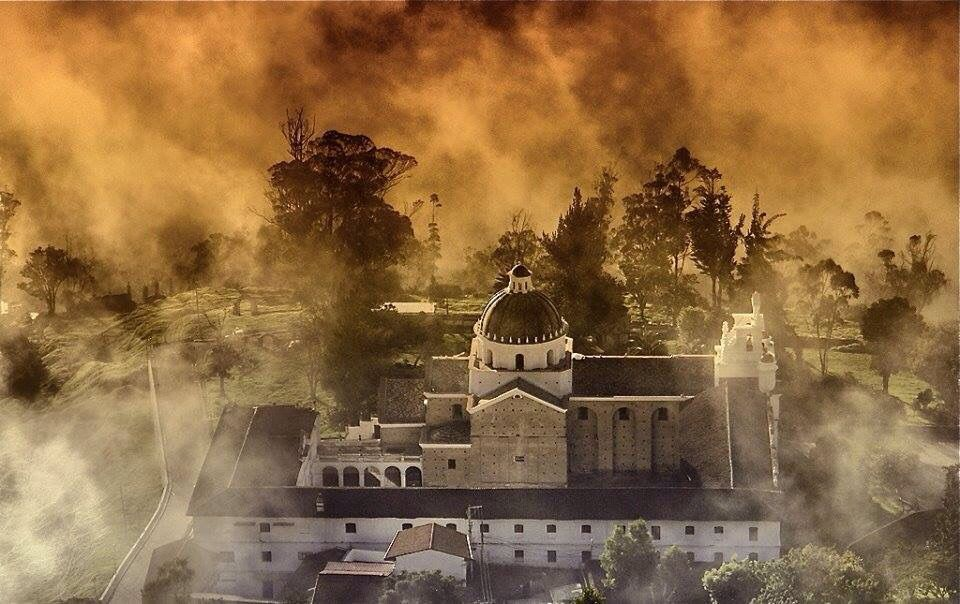Pin By Jun Siang Khor On South American Cities In 2020 Foggy Morning Foggy Church