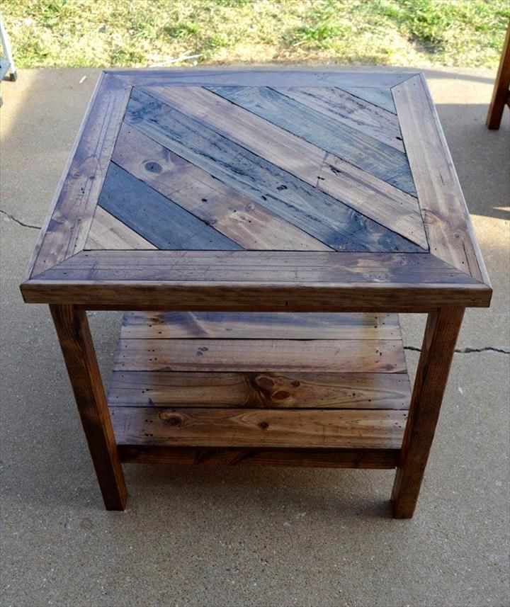 Pallet square shape end table top 14 pallet furniture for Pallet end table