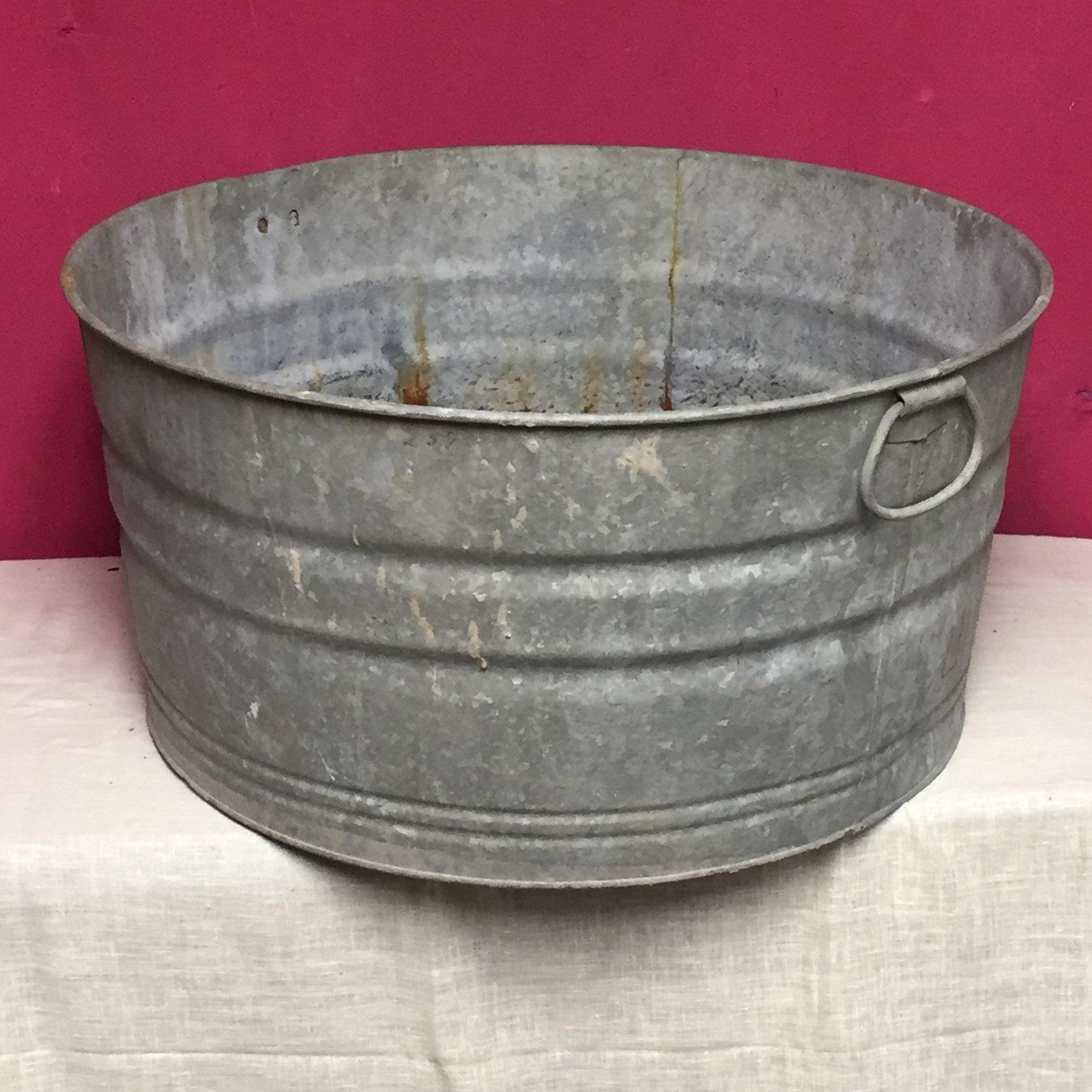 Vintage Large 22 Round Galvanized Metal Wash Tub Outdoor Party