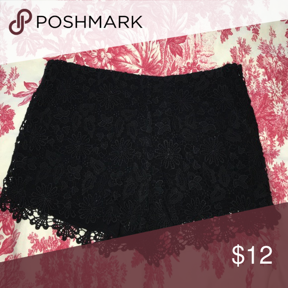 Zara Floral Crochet Black Shorts Sz Small Only worn once! In perfect condition. Zara Shorts