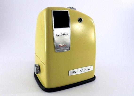 1960's Avocado Green Rival Ice-O-Matic electric ice crusher