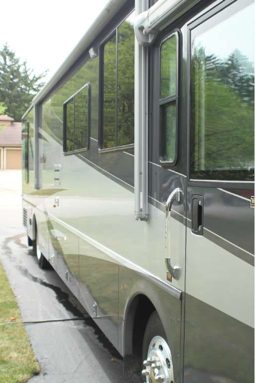 Check out this 2004 Itasca Meridian 39W listing in Toledo