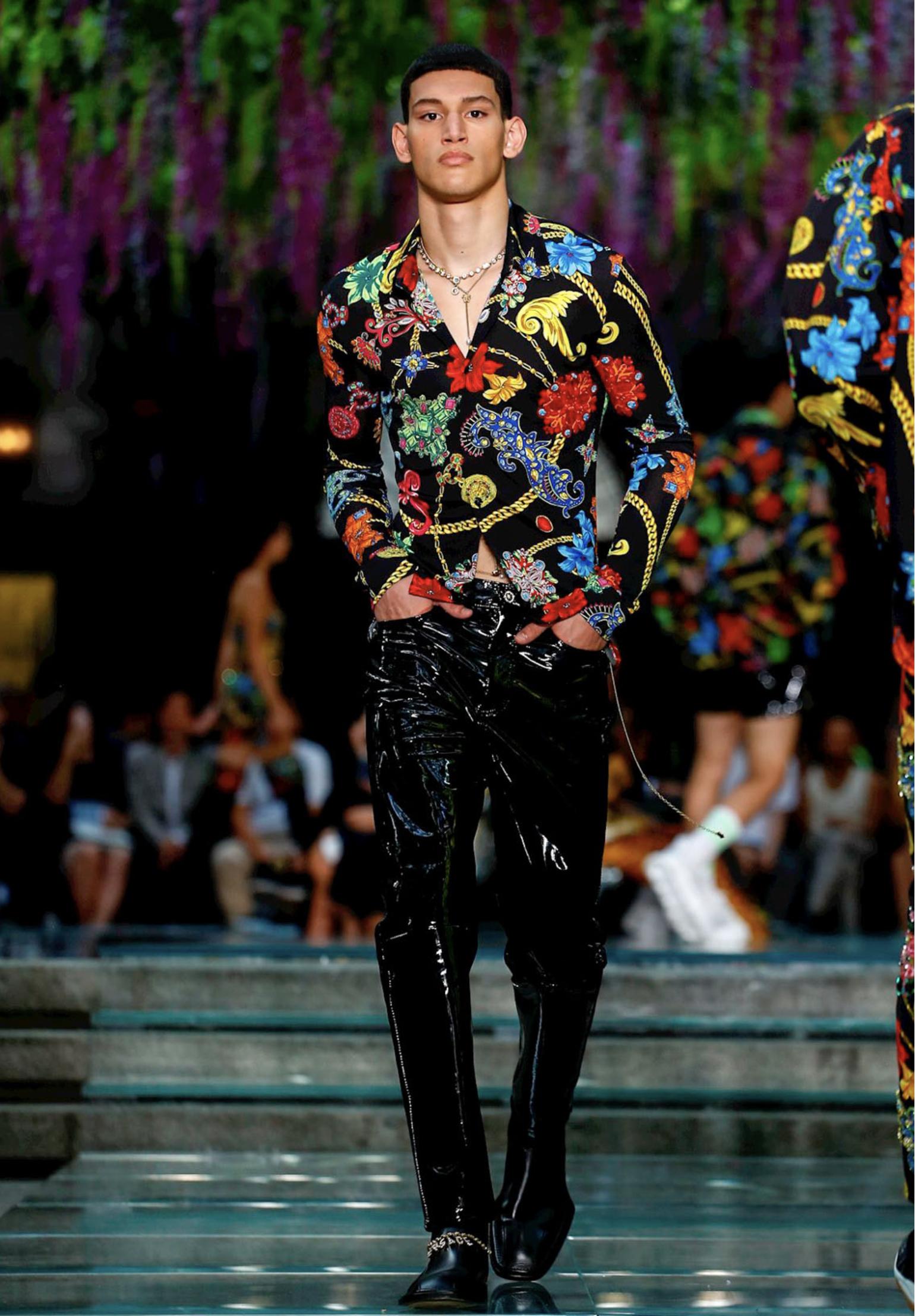 foto Versace SpringSummer 2019 Collection – Milan Fashion Week