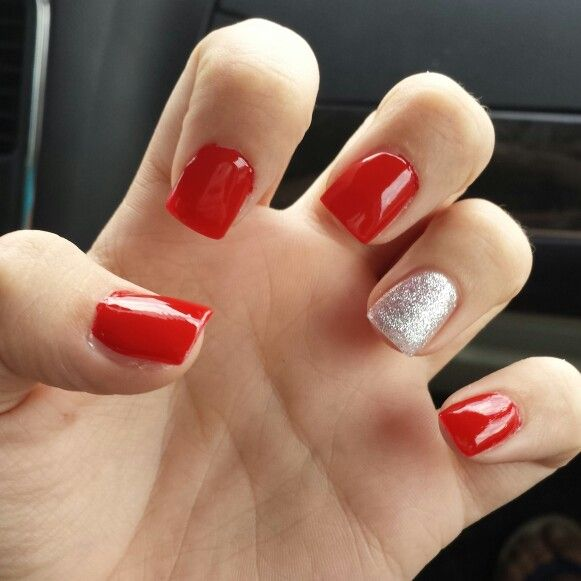 Red nails silver