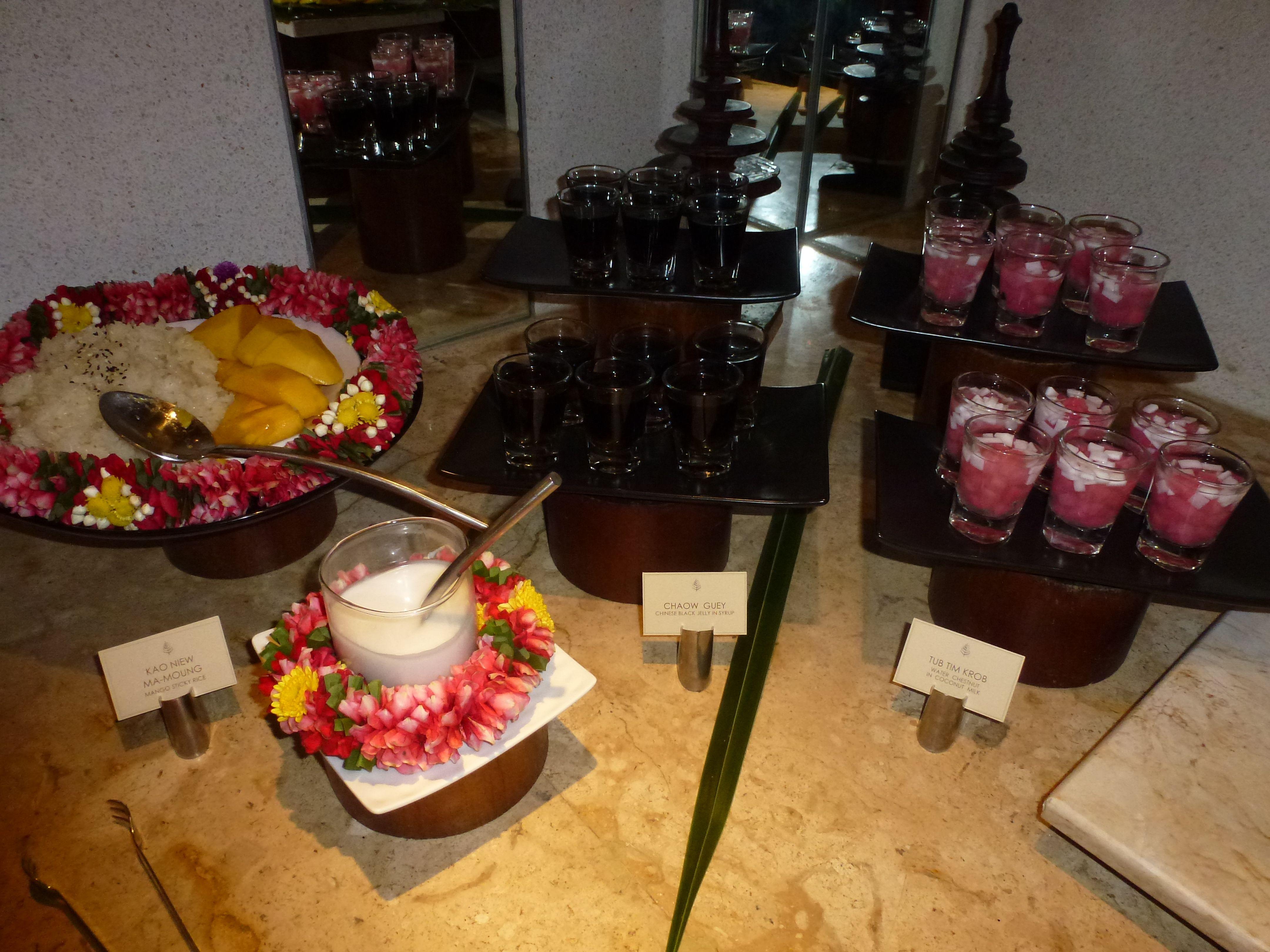#Mango sticky rice and other Thai desserts   Thai dessert ...