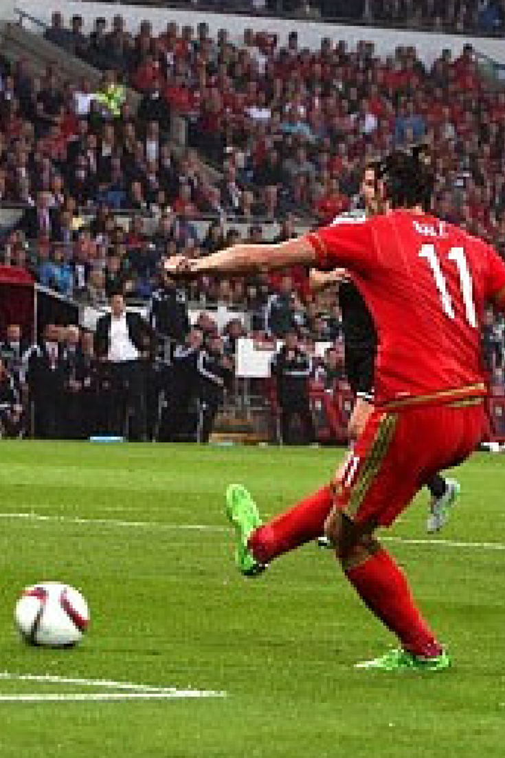 Bale zaskoczył Belgię, ważne zwycięstwa Holandii i