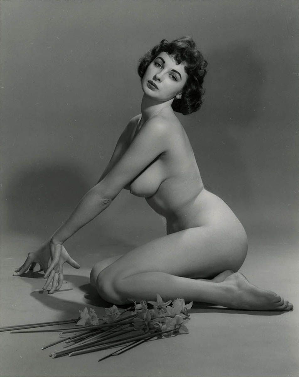 Housewife naked 50s