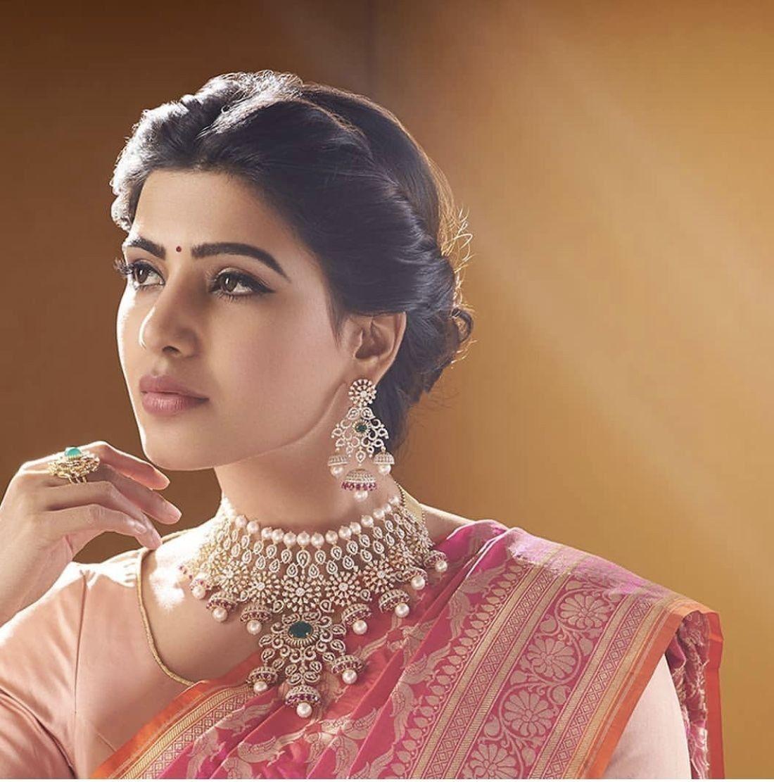 Wedding Hairstyle On Saree: #saree #sareedesign #blouse #blousedesign