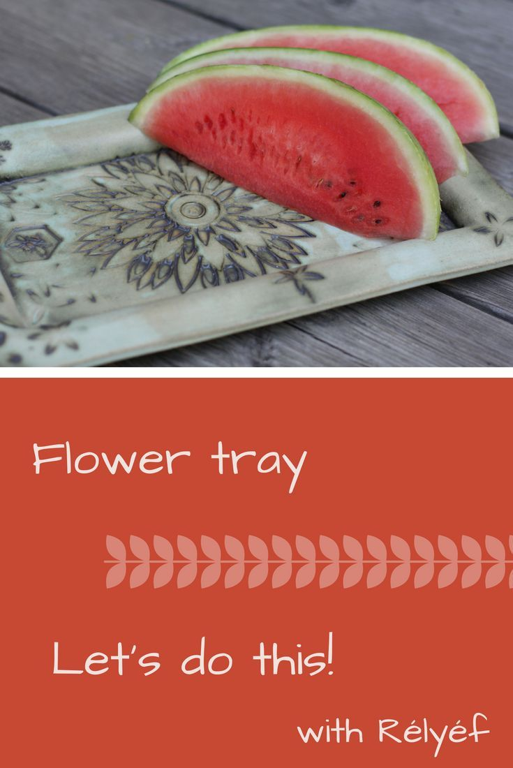 Ceramic inspiration - tray with flower texture made by Rélyéf pottery tool - easy use for kids and beginners    #ceramics #potterytools #relyefcz #DIY #tray