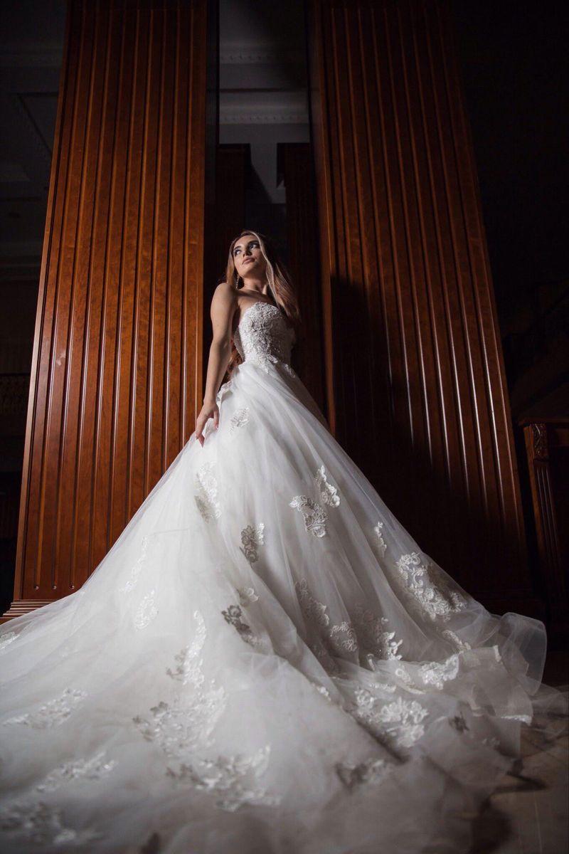 Фотодевушка модель для свадебных платьев как отвлечься от работы девушку