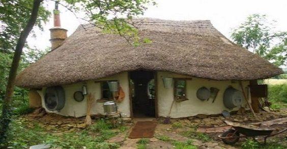 Come auto costruire una casa in stile hobbit nel giardino - Costo di costruzione di una casa ...