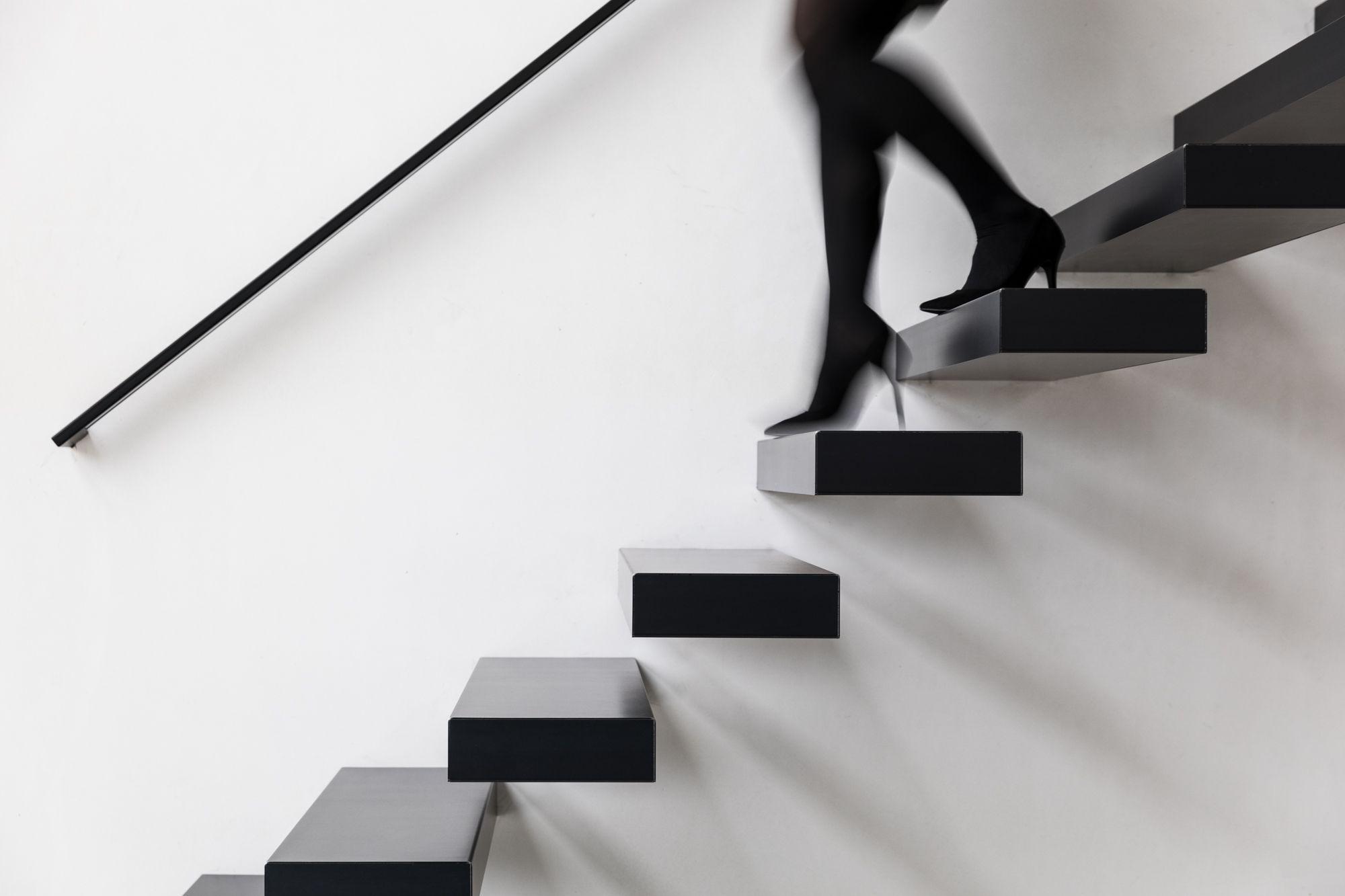 Prijs Zwevende Trap : Deze zwevende trap spreekt tot de verbeelding: de mystiek van