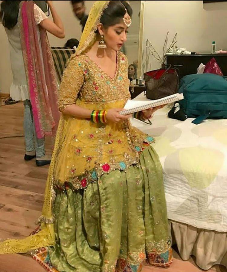 Pin By Aqsa Khan On Colour Combinations Pakistani Mehndi Dress Bridal Dress Design Pakistani Dress Design