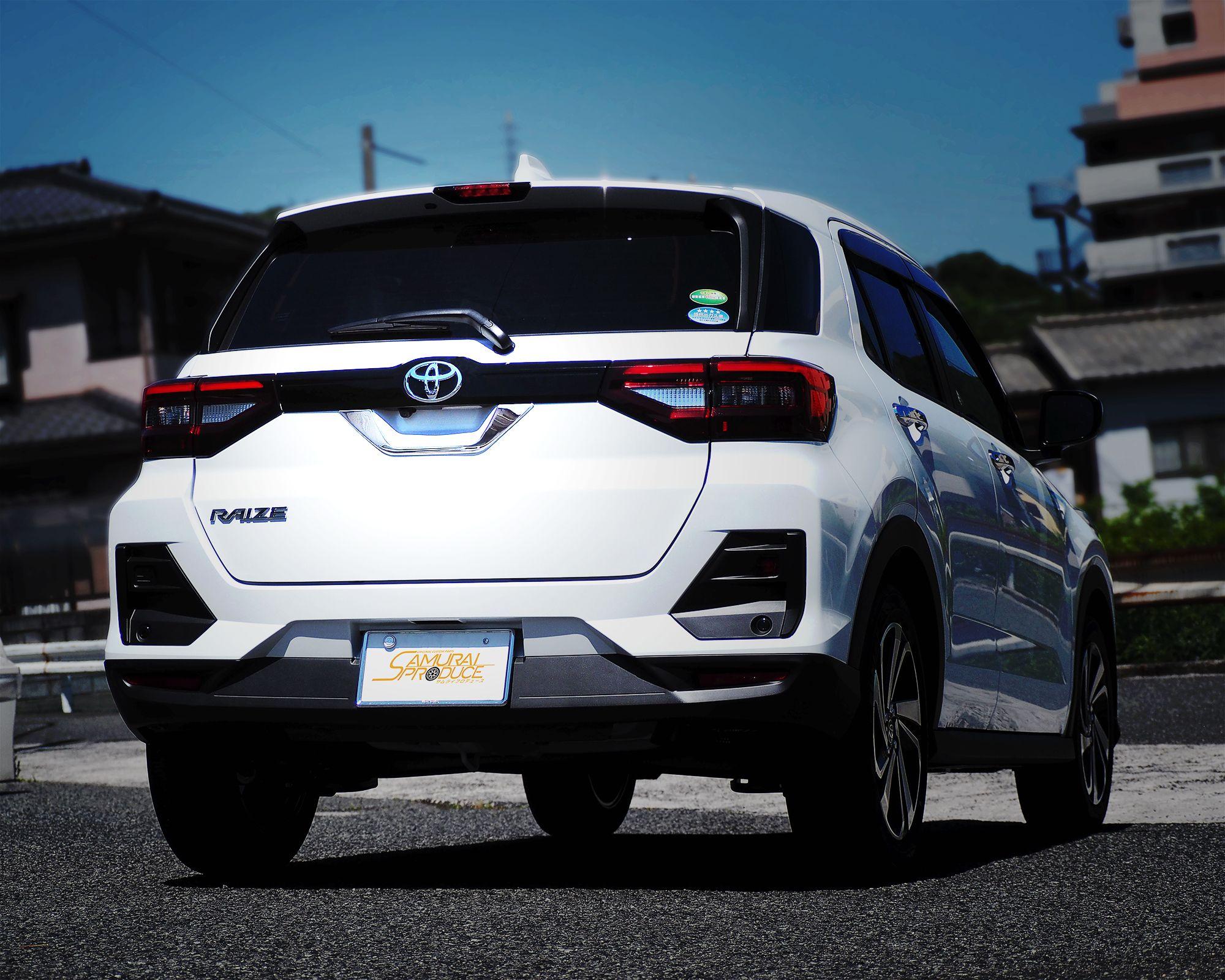 ライズ ロッキー リアエンブレム周り ガーニッシュ 鏡面仕上げ 1p Toyota Raize Daihatsu Rocky カスタム パーツ アクセサリー リアゲート バックドア エクステリア ロッキー ダイハツ エアロ