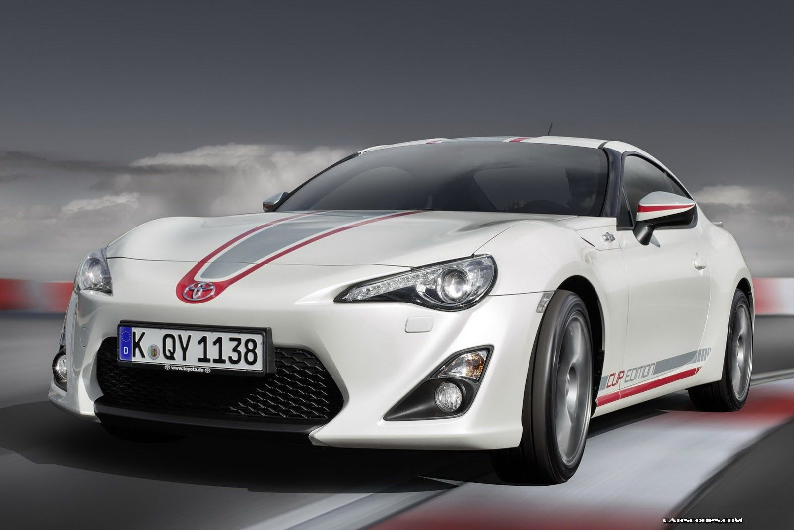 New Toyota Gt86 Cup Edition Gets Racing Stripes Alcantara Interior And A Vip Ticket To The Ring Carscoops Toyota Gt86 Toyota Cars Toyota