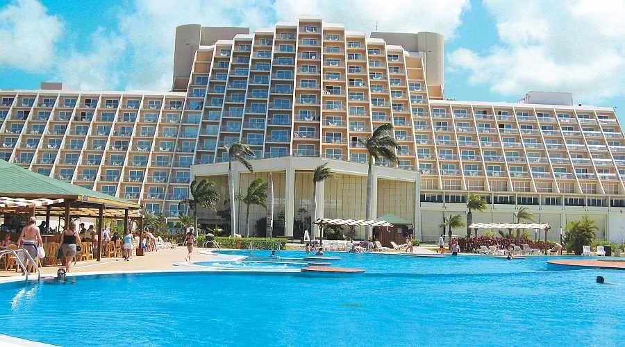 Luksuzni Blau Hotel Varadero Kuba Travelboutique Kuba Cuba Varadero Putovanje Hotel House Styles Mansions House
