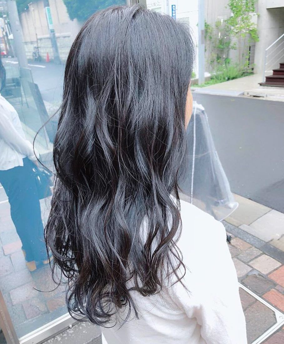 120 の透明感 暗めな髪色は ブルーブラック がイチオシなの ヘアカラー 暗め 髪 色 髪色 暗め