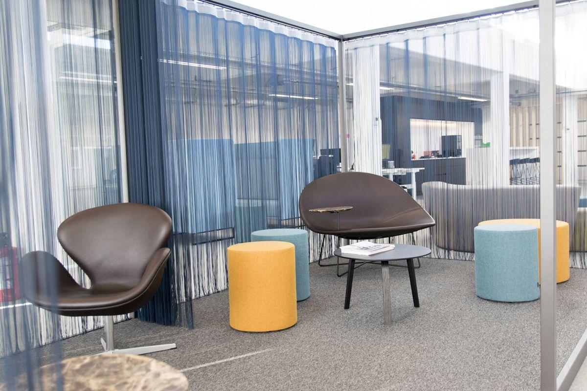 Pouf - Pedrali - WOW / Chair - Frit Hansen - Swan