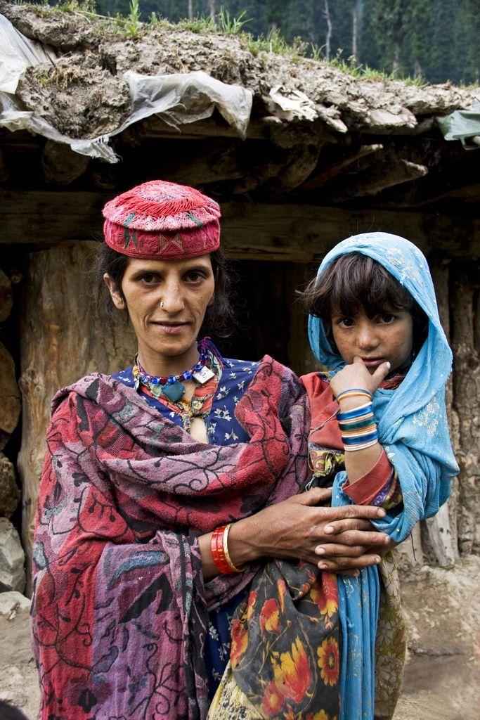 Gujjar mum and daughter - Kashmir 2011