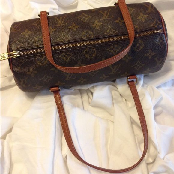 8daf21759b81 LOUIS VUITTON Monogram PAPILLON 26 Hand Bag LV Very good condition. Size   L  10.23