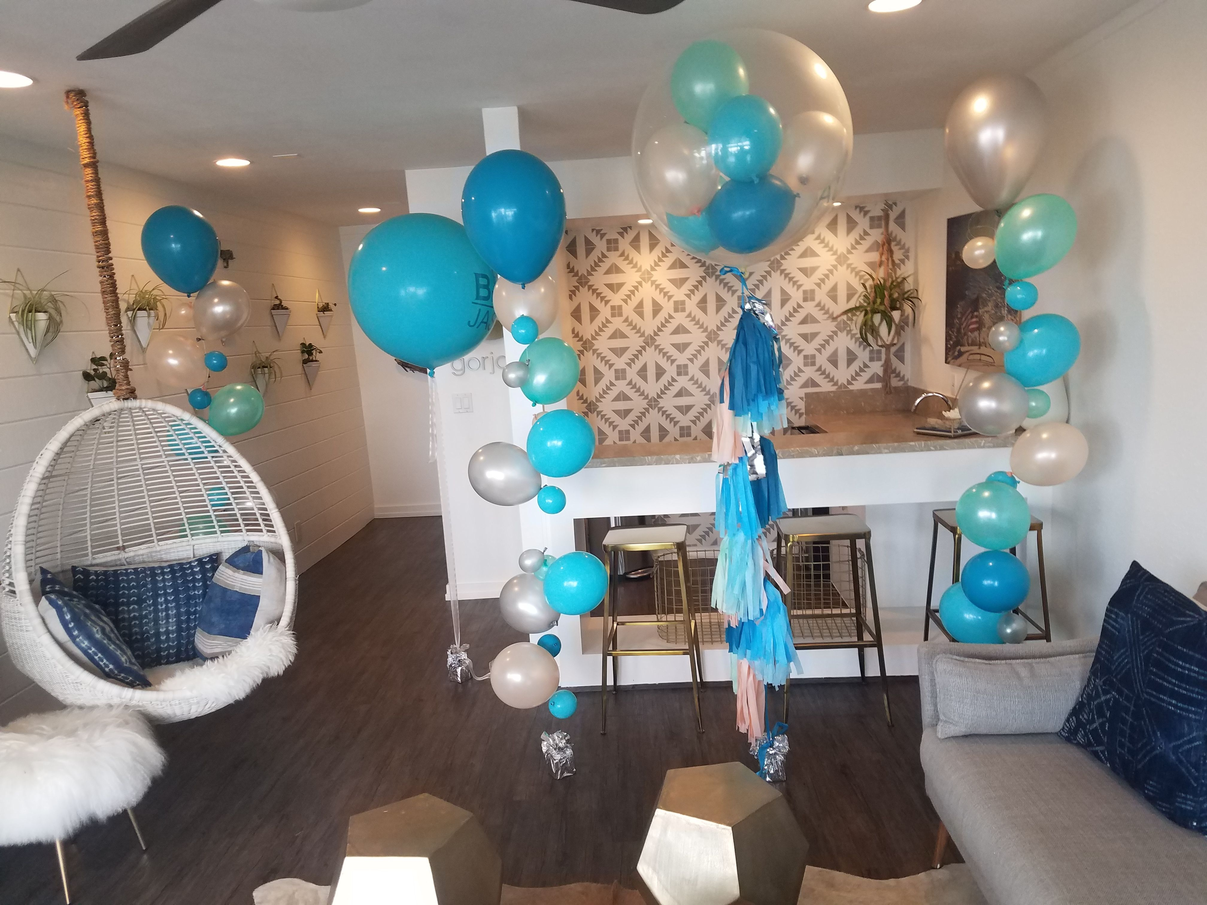 Beachy Bubble Balloons Perfect For A Beach Inspired Party