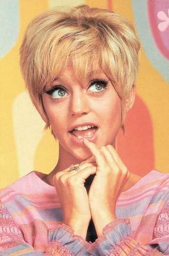 goldie hawn laugh in