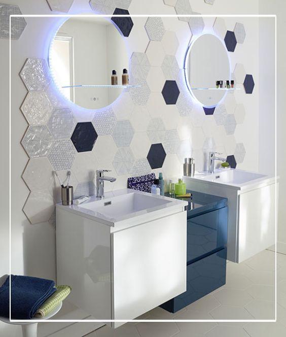 Petite salle de bain, petit rangement malin ! Ce meuble blanc Upa se
