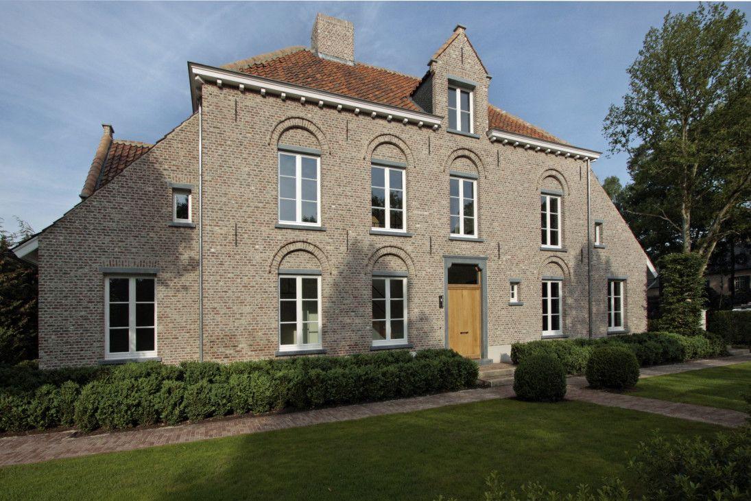 Klassieke pastorij met open interieur villabouw sels belgische