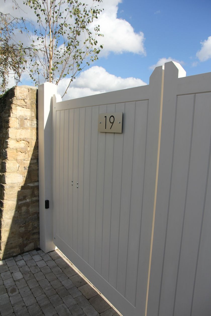 A contemporary country garden by hendy curzon gardens auto gates