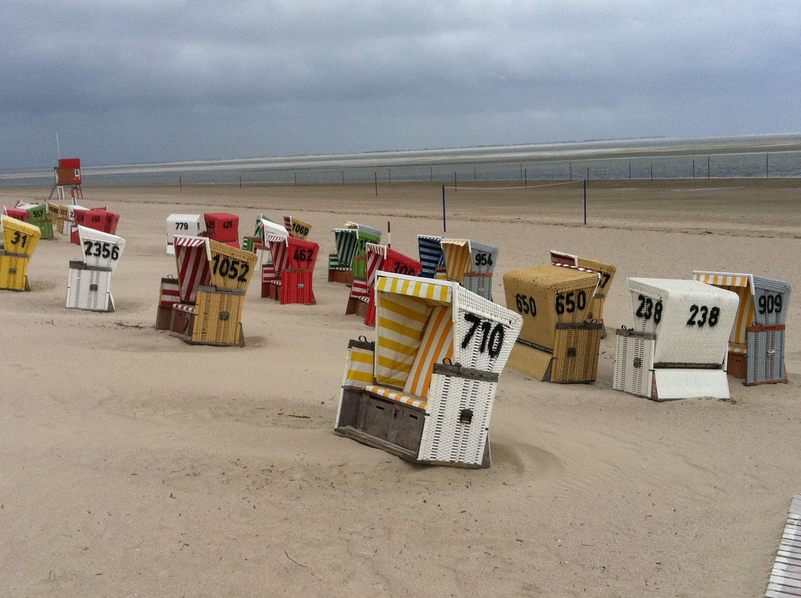Strandkörbe auf der Nordseeinsel Langeoog