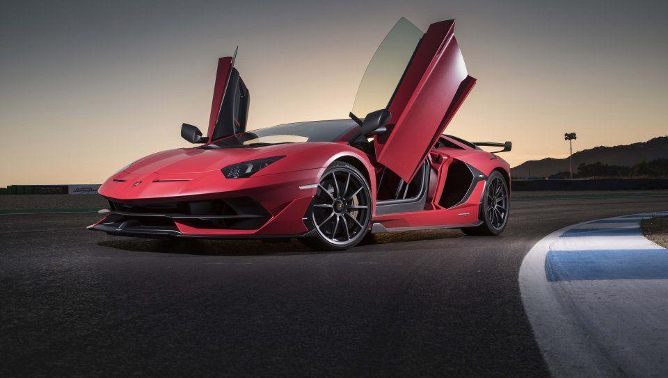 Lamborghini Aventador Svj Coupe Doors Open Wallpaper