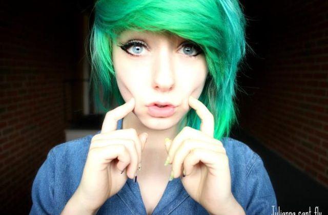 Green hair. So pretty.
