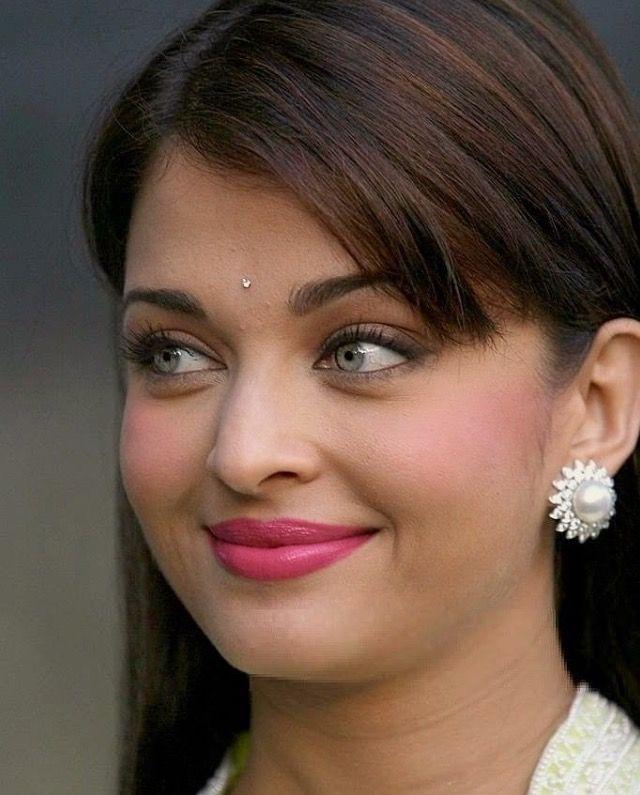 Aishwarya | Aishwarya rai bachchan, Beautiful bollywood ...