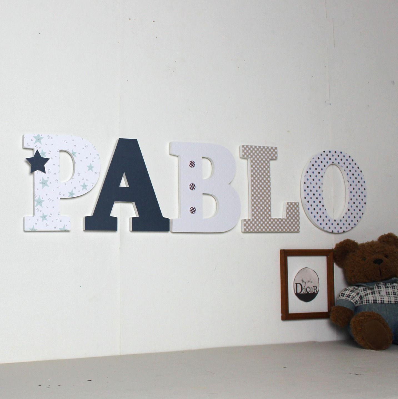 lettres en bois pablo tons bleu blanc taupe pr nom g ant lettres d coratives. Black Bedroom Furniture Sets. Home Design Ideas