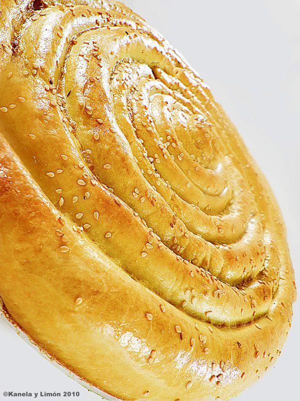 Kanela y Limón: Empanada gallega de carne... en espiral!!!  Tutorial.