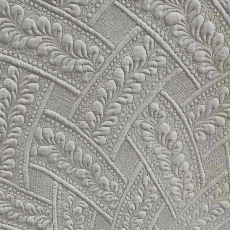 Amazing quilting...just love the woven look. | Quilting: Motifs ... : machine quilting blogs - Adamdwight.com