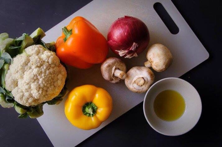 How do you Cut and Roast Vegetables?  Here's how  Nerd Fitness would do it: http://www.nerdfitness.com/blog/2015/03/19/how-to-make-roasted-vegetables/  #vegetable #roasting #cooking #recipe #vegetarian #pescetarian