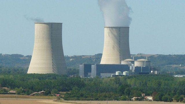 La Centrale Nucléaire De Golfech Dans Le Tarn Et Garonne © Jack Ma /