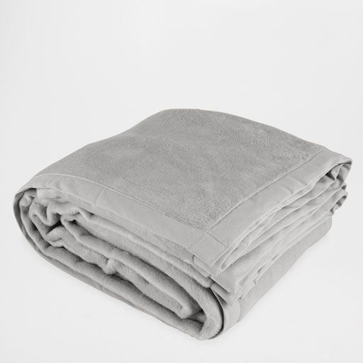 Blanket with Contrasting Fabric Edge