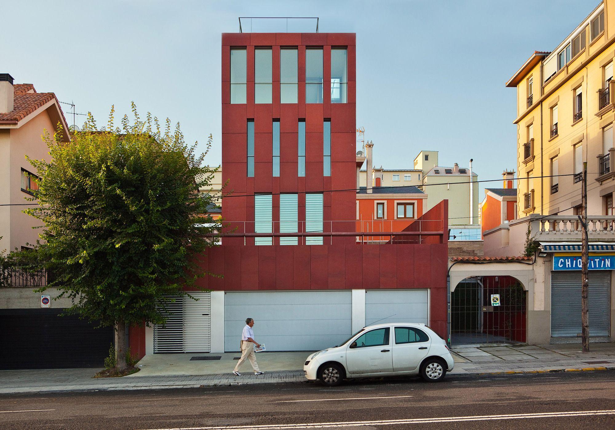 Casa Mercedes En La Ciudad Jardín / CREUSeCARRASCO Arquitectos