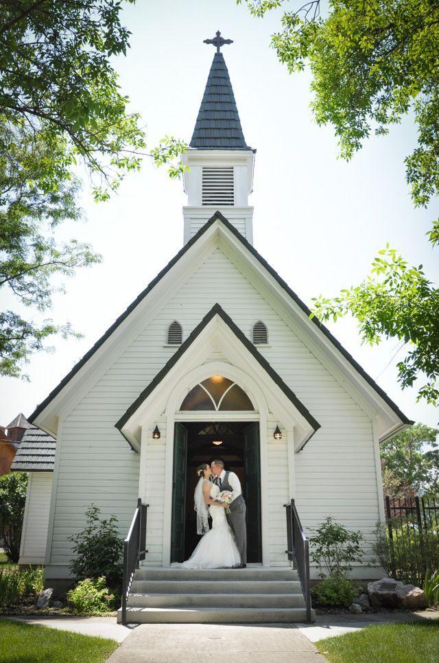 Cody, Wyoming wedding near Yellowstone National Park at