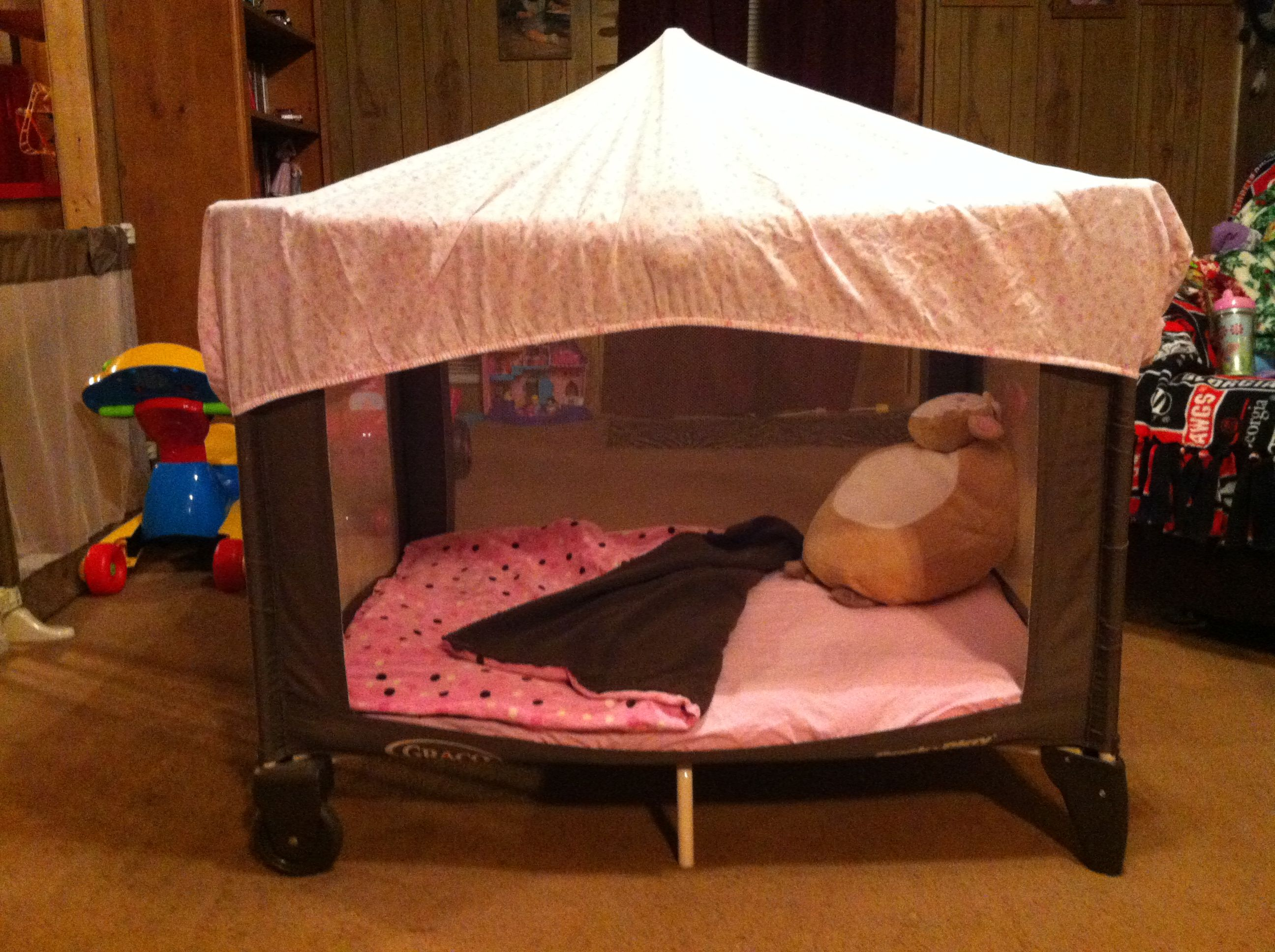 DIY nap time tent/reading nookmade out of a pack nu0027play & DIY nap time tent/reading nookmade out of a pack nu0027play.cut front ...